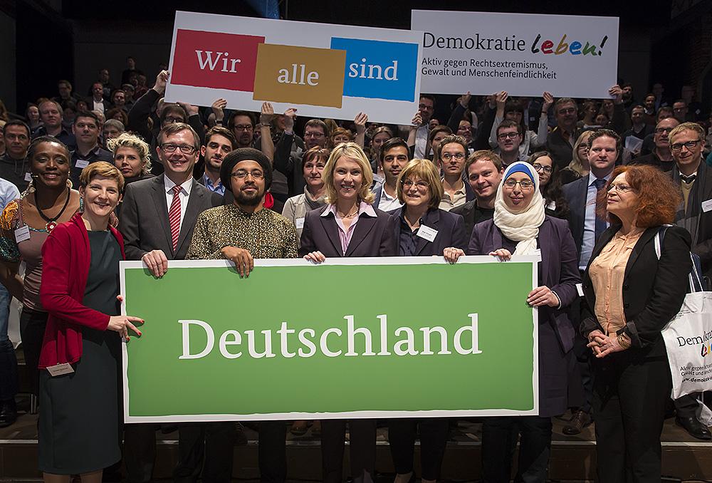 """Förderprogramm """"Demokratie leben!"""" geht weiter"""