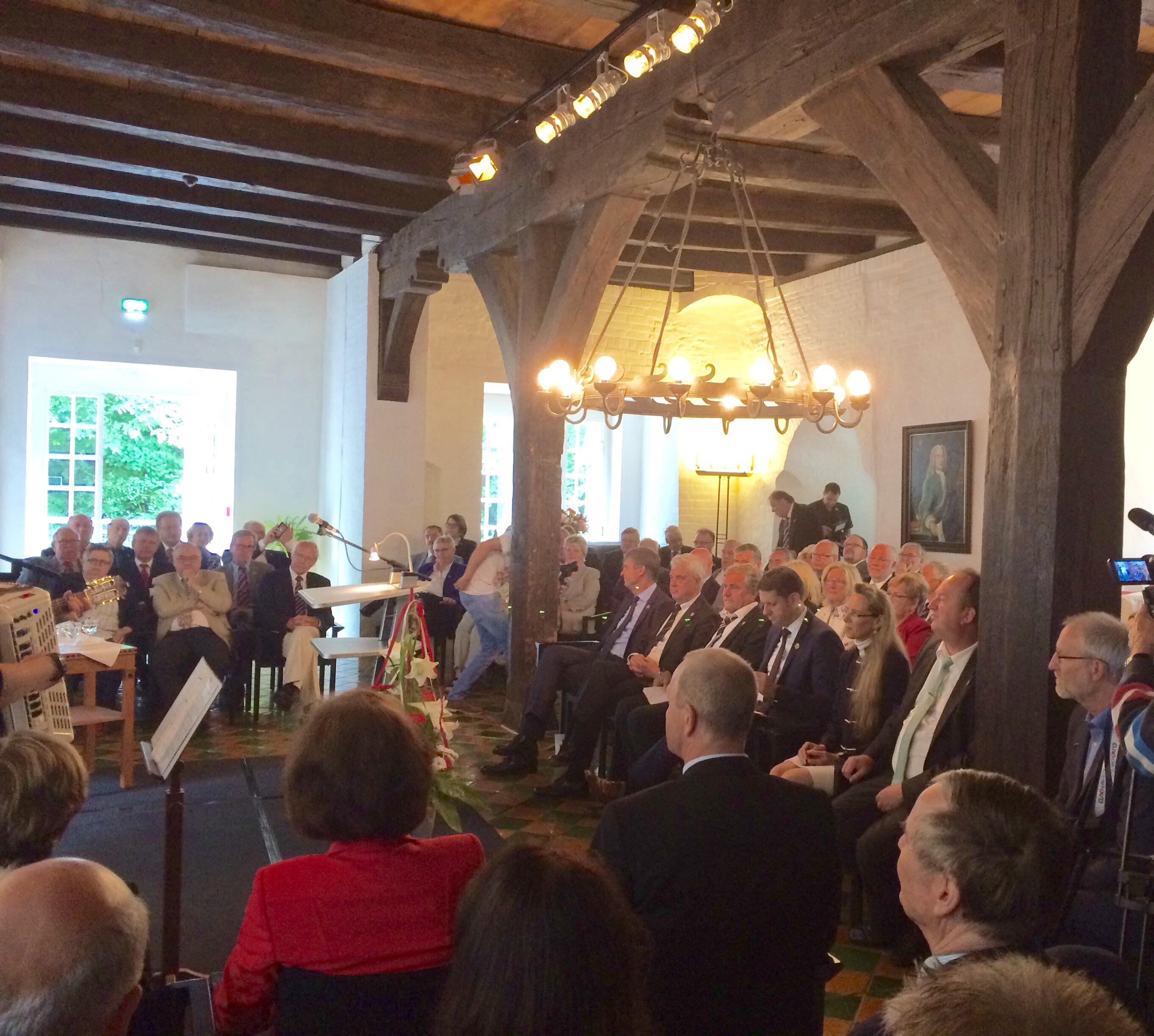 """""""Auf unsere Wurzeln besinnen - die Weichen mit Blick in die Zukunft stellen."""" - Festakt anlässlich des Jubiläums """"200 Jahre Seebad Cuxhaven"""" im Schloss Ritzebüttel begangen"""