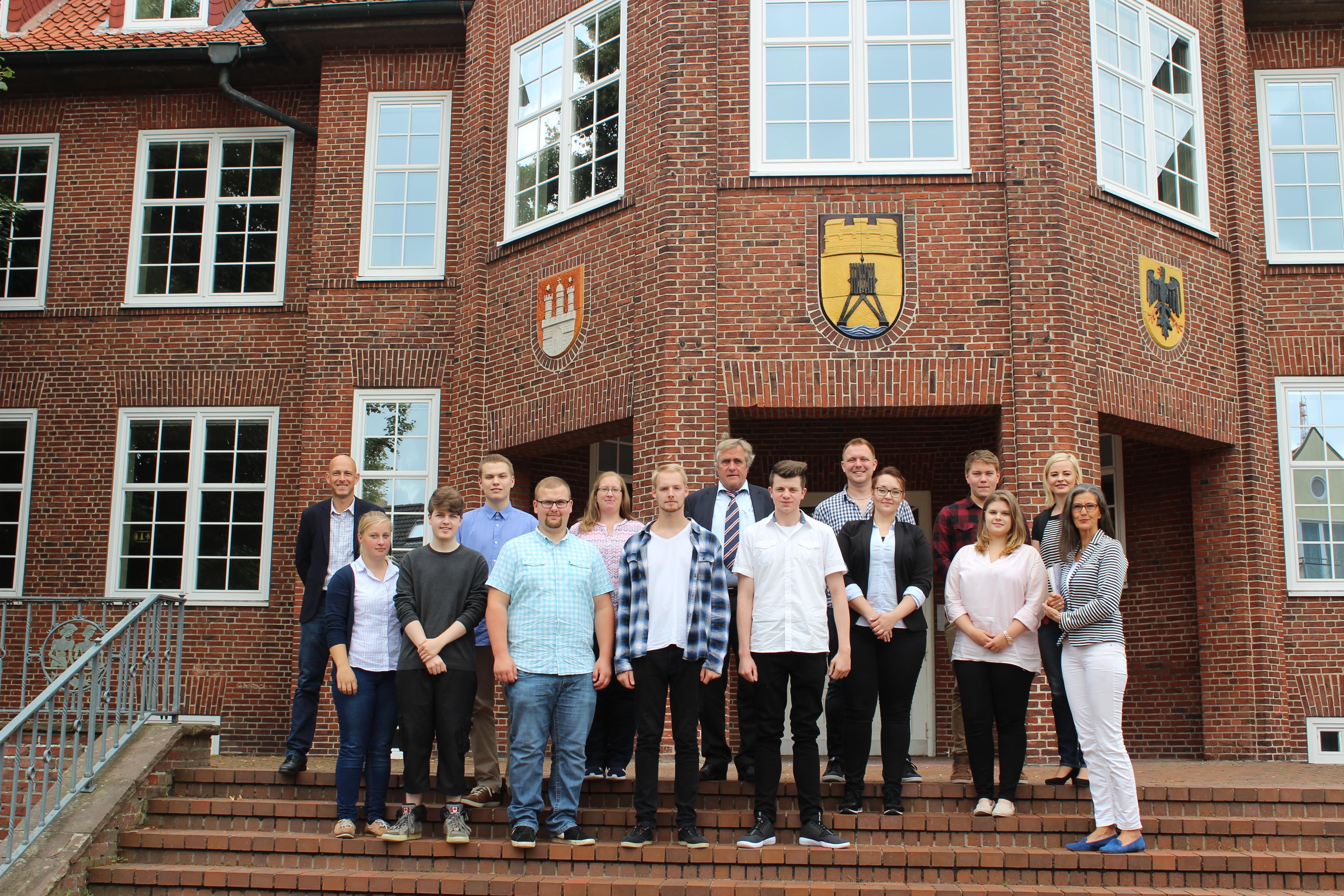 Stadt begrüßt neun neue Auszubildende   - Große Kennenlern-Tour am ersten Ausbildungstag