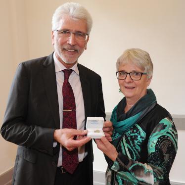 Ehrennadel für Ilona Adamczak