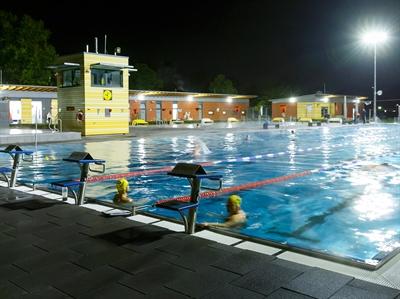 Flutlicht-Abschwimmen
