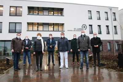 Trotz des schlechten Wetters ein schöner Sonntag - darüber waren sich einig: (v. l. n. r.) Landrat Dr. Kai Zwicker, Michael Brinkmöller (