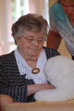 Vorschauversion, Interaktive Kuscheltiere zu Besuch im Pflegezentrum in Holtland
