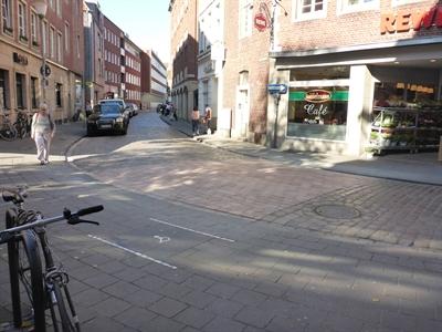 Rollstuhl-Querung Alter Steinweg
