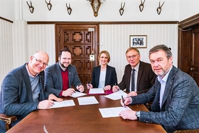 ©  - Unterschrift Widmungsvertrag Schloss Heessen
