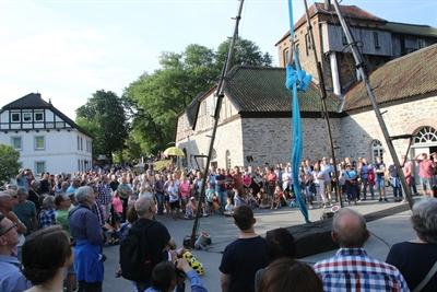 ©  - Die Luisenhütte in Balve zog viele Gäste mit ihren Festivals an. Dabei wurde ein abwechslungsreiches Programm geboten. Foto: Sebastian Sendlak/Märkischer Kreis