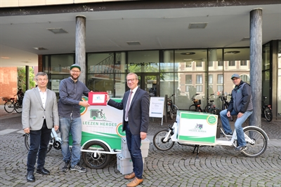 Fahrradkurier bringt Ausweisdokumente