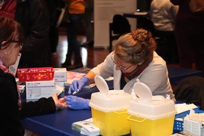 ©  - Blutzuckermessung auf dem Arzt-Patienten-Seminar