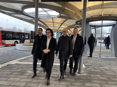 Begehung des neuen Busbahnhofes