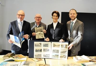 ©  - Übergabe Sammlung zur Stadtgeschichte