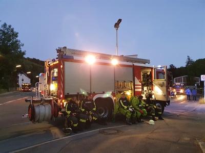 © Feuerwehr Hemer - Zur Sicherheit standen auch EInsatzkräfte in CSA bereit.