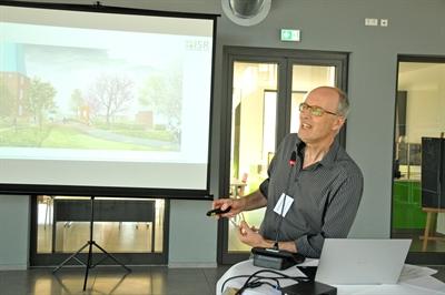 ©  - Thomas Wündrich stellte den Siegerentwurf für die Freiraumplanung des Quartiers vor - Foto: Bruno Wansing, Stadt Bocholt