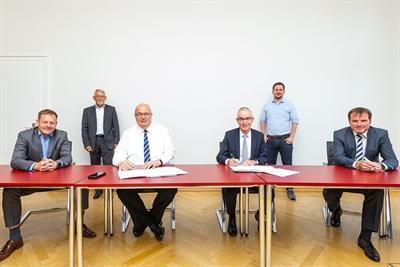 ©  - Unterzeichnung Rahmenvertrag Photovoltaik