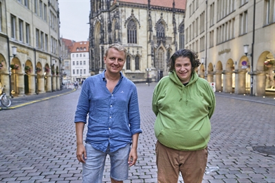 Simon Jöcker und Hauptdarsteller Cem Lukas Yeginer