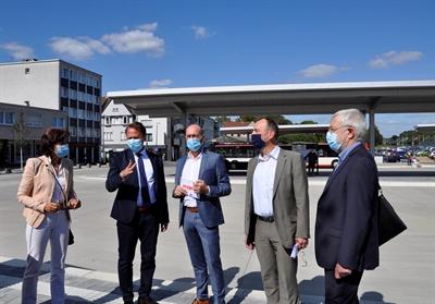 ©  - Der neue Busbahnhof in Opladen