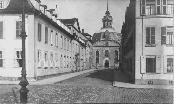 © Stadtmuseum Kassel - Oberneustadt mit Blick auf die Karlskirche