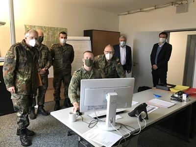 ©  - General Gersdorf besucht Soldaten