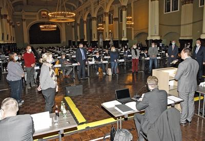©  - Die neuen Mitglieder des Kreisausschusses wurden von Landrat Marco Voge vereidigt. Foto: Alexander Bange/Märkischer Kreis