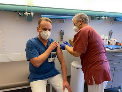 © Stadt Hanau /Klinikum Hanau - Klinikum Hanau startet mit Mitarbeiter-Impfung gegen SARS-CoV-2