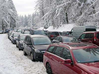 ©  - Verkehrssituation auf der Nordhelle am Winterwochenende. Foto: Max Gerhard