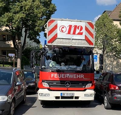 ©  - Durchfahrt für Einsatzfahrzeuge / Foto: © Feuerwehr Iserlohn
