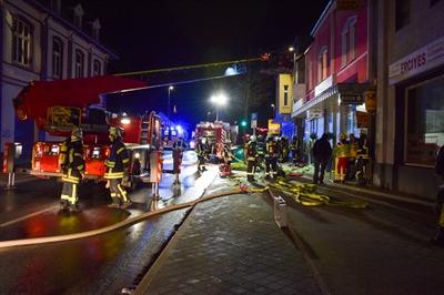 © Feuerwehr Hemer / Stock - Kurze Anfahrt für die Einsatzkräfte, die Einsatzstelle lag direkt gegenüber der Hauptwache