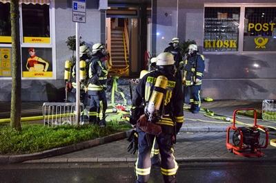 © Feuerwehr Hemer / Stock - Insgesamt drei Trupps gingen in das Gebäude vor
