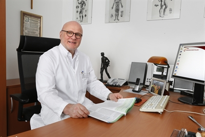 Dr. Norbert Kunath