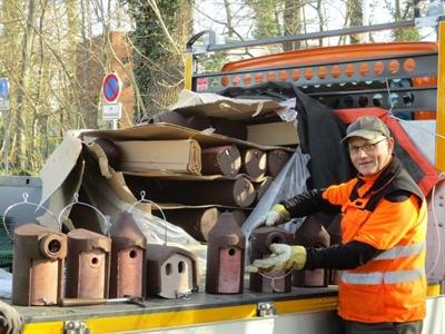 © Stadt Lippstadt - 60 Nistkästen bieten ab sofort für viele verschiedene Vogelarten im Stadtwald und an der Bellevue Unterschlupf. Foto: Stadt Lippstadt