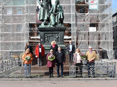 © Stadt Hanau - Verabschiedung von drei langjährigen Pflegefamilien