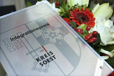"""© Linda Kratzel/ Kreis Soest - Wegen der Corona-Pandemie kann der Integrationspreis """"Zuhause im Kreis Soest 2021"""" erst im Jahre 2022 verliehen werden. Symbolfoto: Linda Kratzel/ Kreis Soest"""