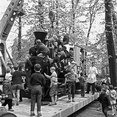Schaufenster  Stadtgeschichte - Lokomotive Coerdeplatz