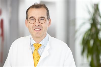 Chefarzt Dr. Ulrich Hofstadt-van Oy