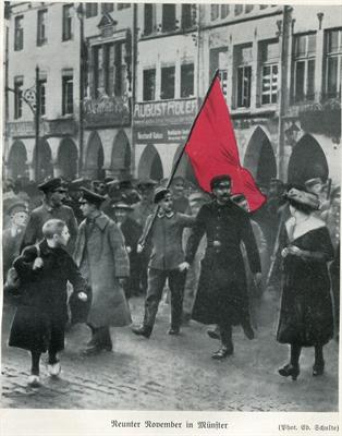 Retuschiertes Foto mit rot eingefärbter Fahne
